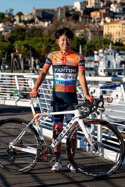 slideshow img of Masakazu Ito